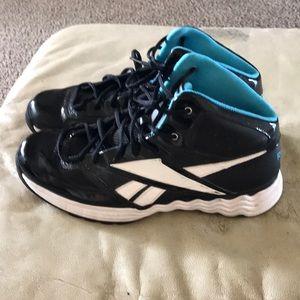 Men's Reebok basketball shoes. Size 9.5